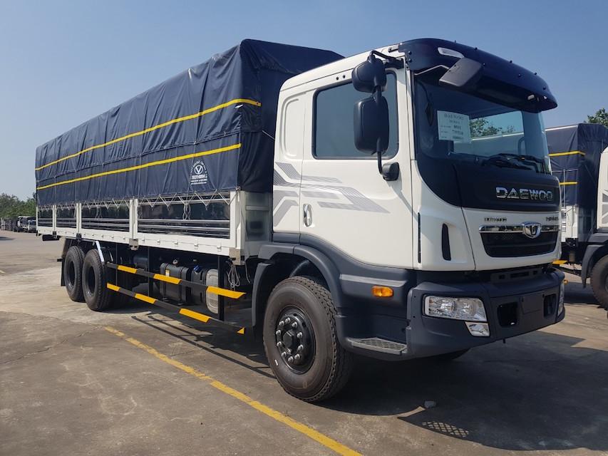 xe tải hạng nặng